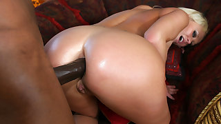 Getting The brush Ass Railed overwrought a BBC Is All Huge Tits MILF Carly Parker Needs