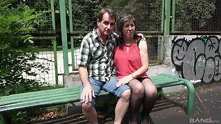 Video be advantageous to FFM threesome round Estera Urbancova and Olesya Demidova