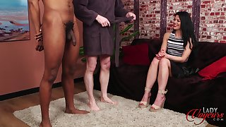 Handsome model Sapphire Rose teases four naked dudes - interracial