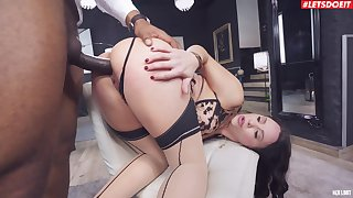 Nude anal sex pleases the curvy wife with the best interracial