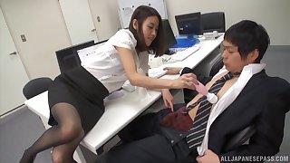 Hot Japanese coworker Yoshida Hana gets pleasured to a vibrator