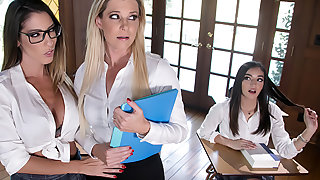 Roleplay With Me: School Girl Using