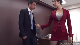Kurokawa Sumire gets her pussy fucked and fingered in the stranger's room