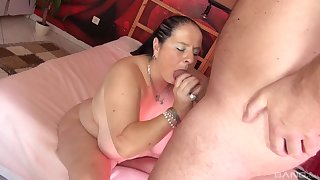 Smooth porn with a broad in the beam floozy after she gives head